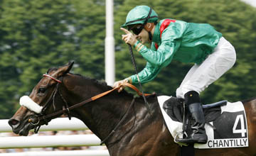 Sarafina wins the Prix De Diane at Chantilly 13.06.2010