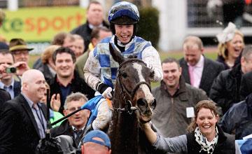Berties Dream Lead in Cheltenham 19.03.2010