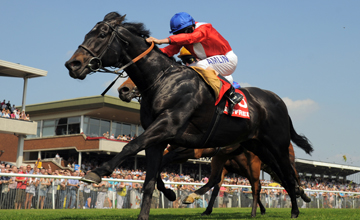 Kingsgate Native beats Equiano in the Temple Stakes at Haydock 22.05.2010
