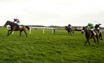 Tchico Polos wins the Haldon Gold Cup at Exeter 02.11.2010