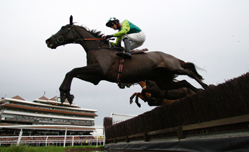 Denman on his way to winning the 2009 Hennessey at Newbury