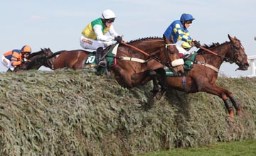 BALLABRIGGS and Jason Maguire win the Grand National 2011 Aintree 9/04/2011