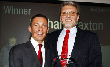 Frankie Dettori presents Graham Paxton with The Stud Staff Award - Stud and Stable Staff Awards 28.2.11