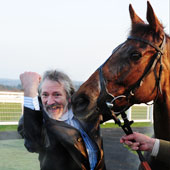 Tote Winner Steve Whiteley with Lupita - Exeter 08.03.11