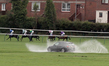 Heavy and wet going at Ayr 6/10/2011