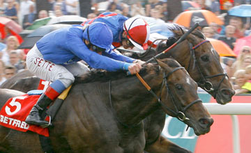 Willing Foe - Frankie Dettori wins The Betfred Ebor