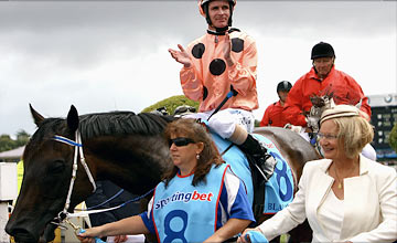 Black Caviar - Caulfield - CF Orr Stakes 11.02.2012