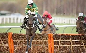 Darlan winning at Cheltenham 09.12.11