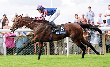 Montjeu winning the King George at Ascot in 2000