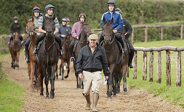 Philip Hobbs leads his string (October 2012)
