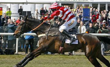 L'Unique - Aintree 04.04.2013