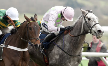 Champagne Fever (Ruby Walsh,right)
