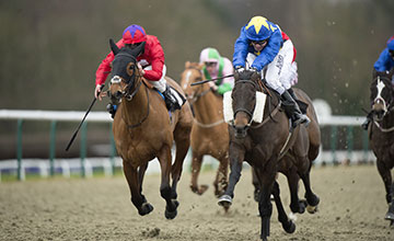 Castilo Del Diablo (Jamie Spencer,right) beats Modernstone in the 1m 4f handicap