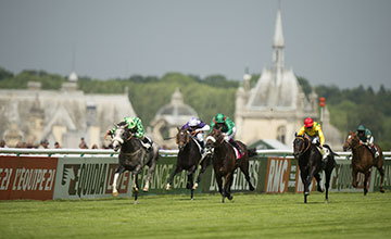The Grey Gatsby (Ryan Moore) wins the Prix du Jockey Club