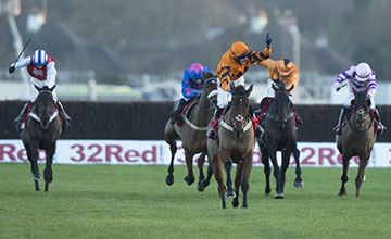 Thistlecrack (Tom Scudamore) wins the King George