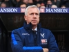LONDON ENGLAND NOVEMBER 19 Alan Pardew Manager of Crystal Palace looks on during the Premier League match between Crystal Palace and Manchester City at Selhurst Park on November 19 2016 in London England Photo by Stephen PondGetty Images