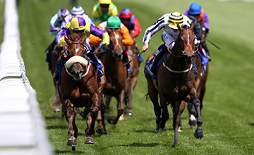 Tom Eaves riding Brando (L) win The Coral Charge