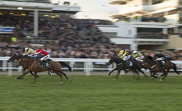 Ballyandy (Sam Twiston-Davies) beats Battleford