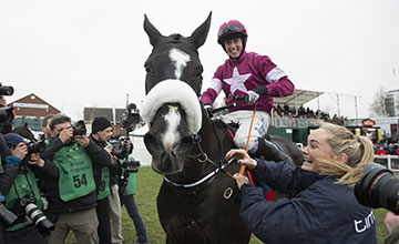 Don Cossack (Brian Cooper) wins the Gold Cup