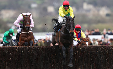 Sizing John is steered to victory by Robbie Power